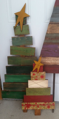 2 x 4 Holiday Wood Crafts/Wood Blocks made into a wood Christmas tree